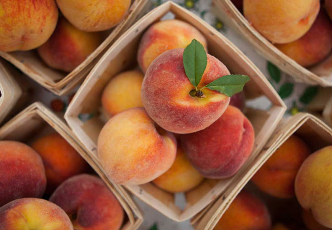 10 Surprising Health Benefits and Uses of Peaches
